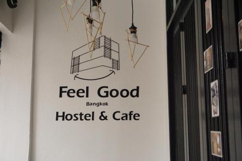 Feel Good Bangkok Hostel photo 40