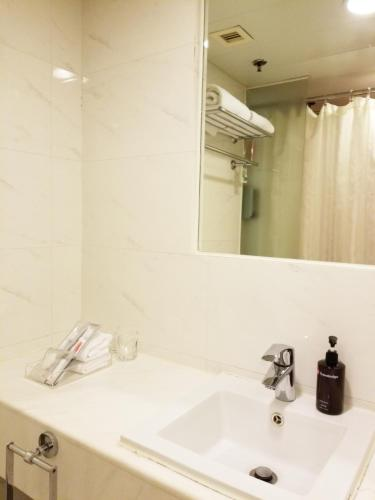 Travelodge Central, Hollywood Road photo 24