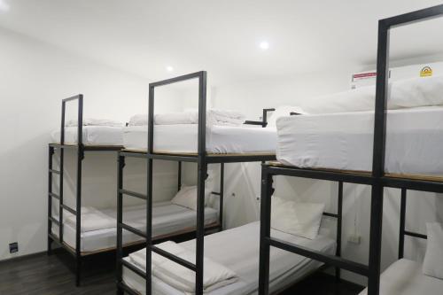 Oh Compound Hostel room photos