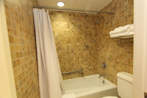 Kentucky Dam Village State Resort Park - Gilbertsville, KY 42044