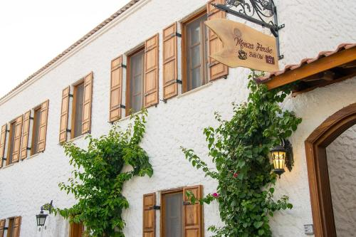 Siğacık Monza House Otel rezervasyon
