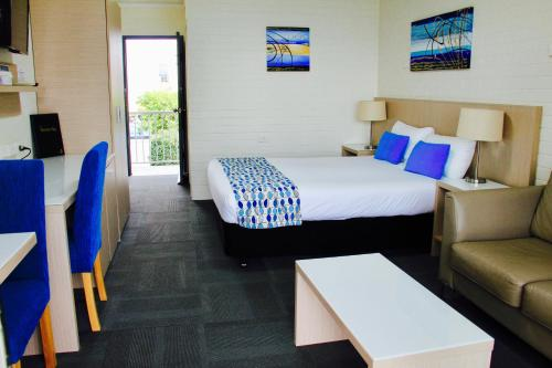 Фото отеля Zorba Waterfront Motel