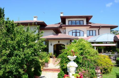 Dallas Residence