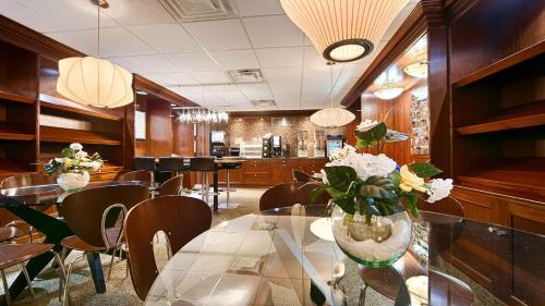 Best Western Plus Robert Treat - Newark, NJ NJ 07102