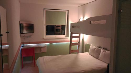 ibis budget Hamburg Altona photo 12