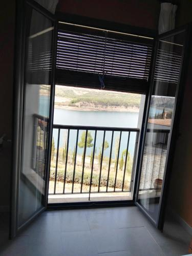 Double Room with Lake View Hotel Balneario de Zújar 6
