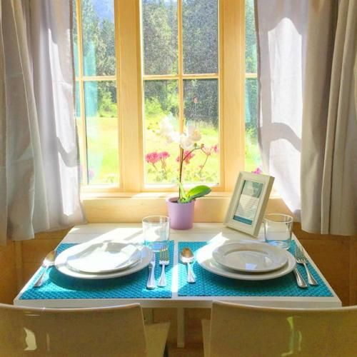 Leavenworth Camping Resort Tiny House Adeline