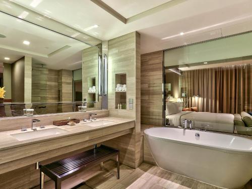 Hilton Sukhumvit Bangkok photo 78