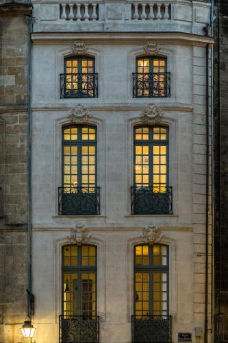 9 Place du Parlement, 33000 Bordeaux, France.