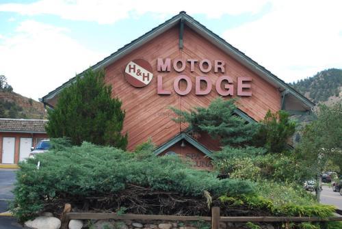 H&h Motor Lodge
