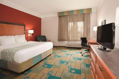 La Quinta Inn & Suites Denver Southwest Lakewood room photos