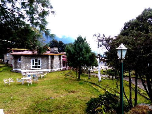. La Villa Sherpani Lukla