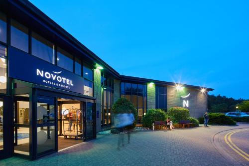 Novotel London Stansted Airport - Hotel - Stansted Mountfitchet