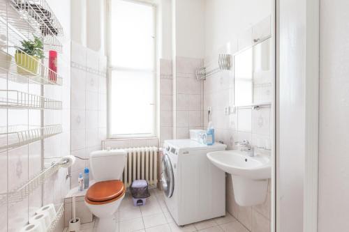 Kaprova - quiet and comfortable apartment in the heart of Prague Bild 8