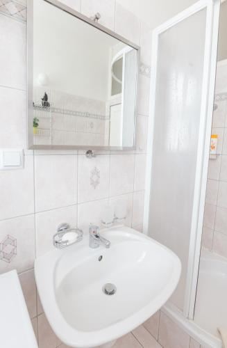 Kaprova - quiet and comfortable apartment in the heart of Prague Bild 13