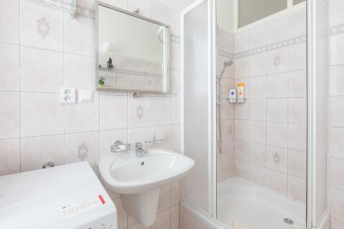 Kaprova - quiet and comfortable apartment in the heart of Prague Bild 18