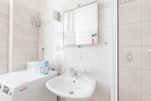Kaprova - quiet and comfortable apartment in the heart of Prague Bild 20