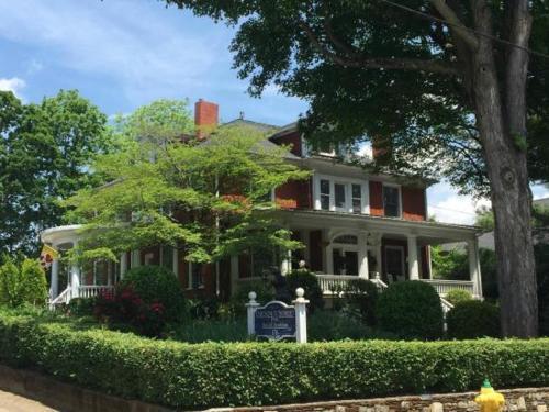 Chestnut Street Inn - Accommodation - Asheville