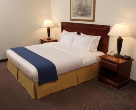 Holiday Inn Express Hotel And Suites Elk City - Elk City, OK 73644