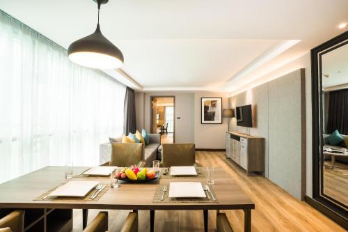 Citrus Suites Sukhumvit 6 by Compass Hospitality photo 10