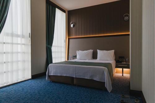 Khazar Palace Hotel room photos