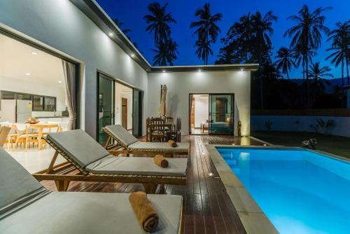 . Villas Mona
