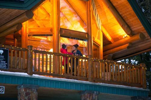 Snow Creek Cabins by Fernie Lodging Co - Accommodation - Fernie