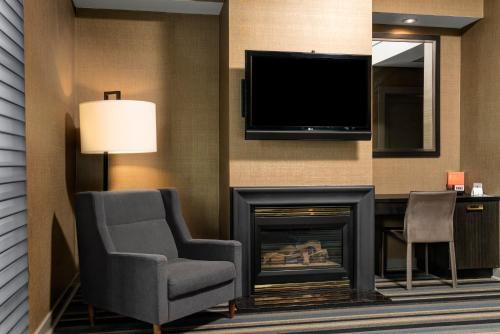 Hotel Arts Kensington - Calgary, AB T2N 3E3