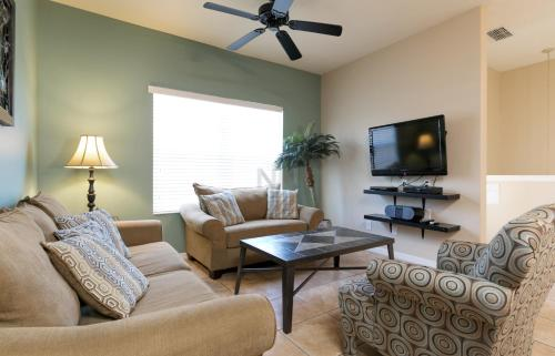 House w/ Integrated Kitchen Dining Room in Resort w/ Amenities near Disney and Walmart - 2787