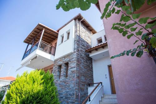 . Moutafi apartments
