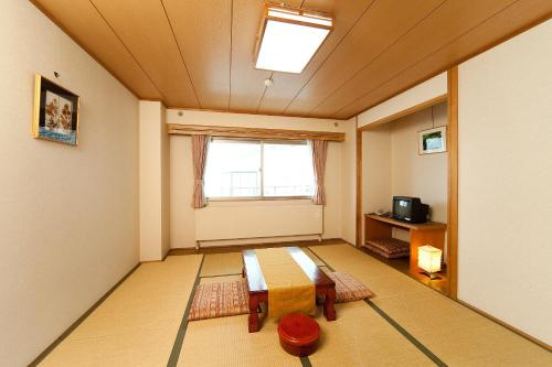Standard Japanese-Style Room with Shared Bathroom - Non-Smoking