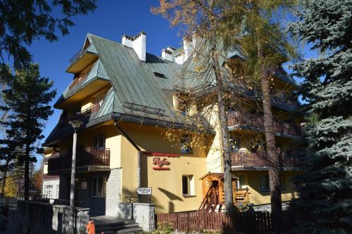 Dafne Zakopane i Budynek Turystyczny - Accommodation - Zakopane
