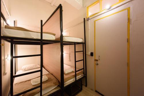 Warm White Hostel photo 16