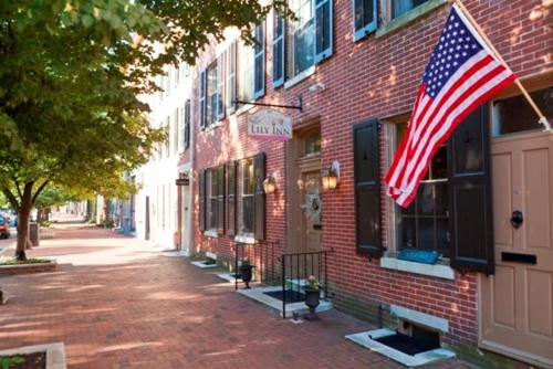 The Lily Inn - Bed And Breakfast - Burlington, NJ 08016