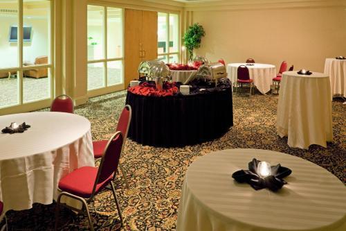 Red Lion Hotel Harrisburg Hershey - Harrisburg, PA 17111