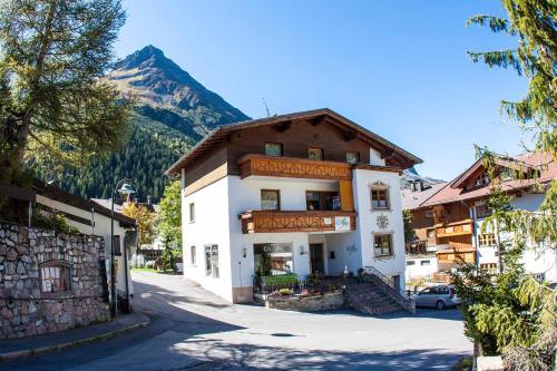 Frühstückspension&Ferienhaus Fädnerspitze - Accommodation - Galtür