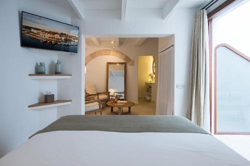 Deluxe Suite with Terrace - single occupancy S'Hotelet d'es Born - Suites & SPA 7