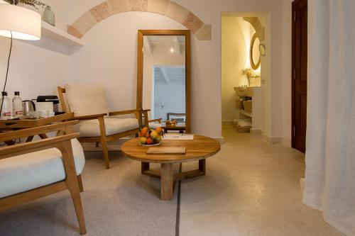 Suite Deluxe con terraza - Uso individual S'Hotelet d'es Born - Suites & SPA 22