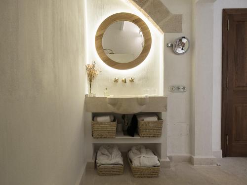 Suite Deluxe con terraza - Uso individual S'Hotelet d'es Born - Suites & SPA 21