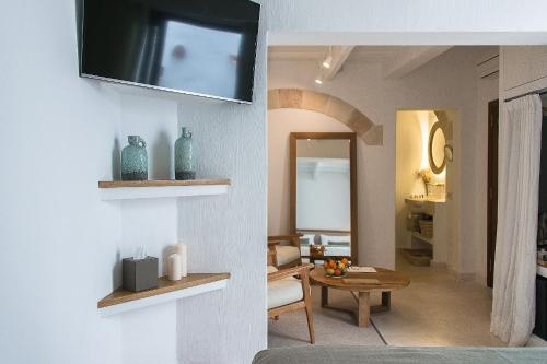 Deluxe Suite with Terrace - single occupancy S'Hotelet d'es Born - Suites & SPA 16