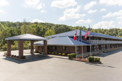 Days Inn By Wyndham Renfro Valley Mount Vernon - Mount Vernon, KY 40456