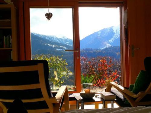 . Ferienwohnung mit Sicht auf die Berge (Nähe Flims/Laax)