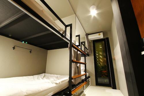 Here Hostel Bangkok photo 45