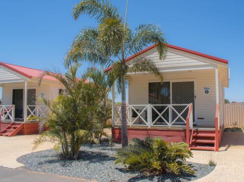 . Outback Oasis Caravan Park