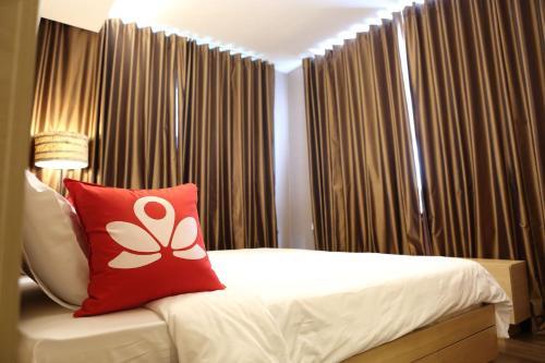 ZEN Rooms Sukhumvit Soi 22 photo 2