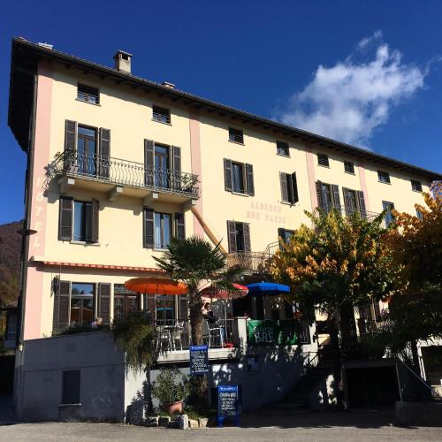 Salotto Bre - Bed and Breakfast