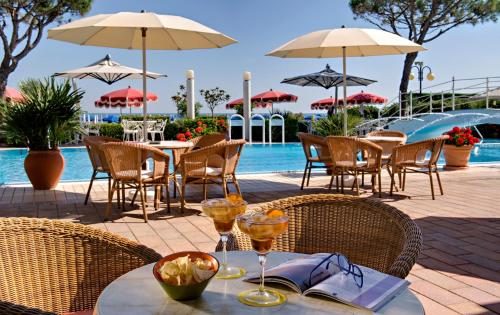 Ruhl Beach Hotel And Suites