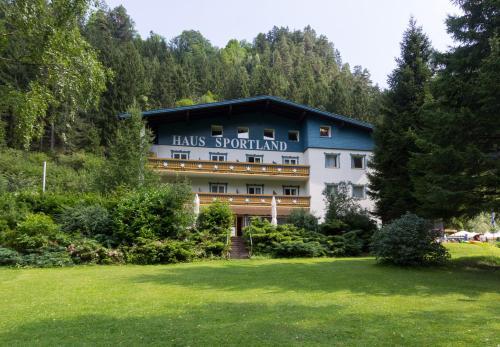 Hotel Sportland & Outdoor-Center Kals am Großglockner