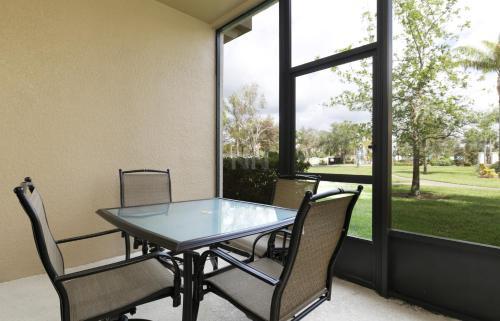 Three Bedroom Townhouse 75bw25 - Kissimmee, FL 34747