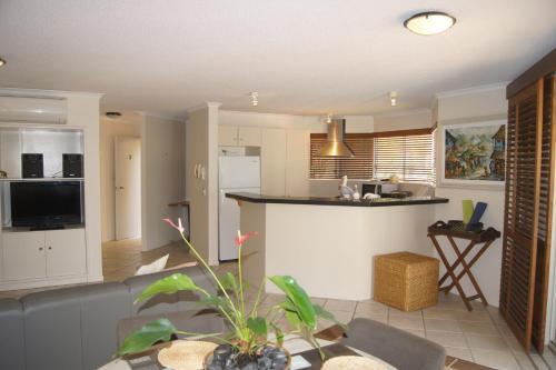 Фото отеля Parkshores Sunshine Beach Noosa Holiday Apartments
